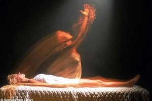 Scientists Study Woman Who Can Have Out-of-Body Experiences On Demand 20140310-231031